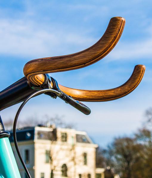 closeup handlebar wooden bullhorn carrea